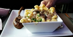 mac n cheese square burger